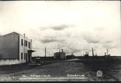 AVENIDA ARAGUAIA - Década de 40 (Arquivo Cedido pela Prefeitura de Goiânia).jpg