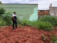 Anderson Sales visita obra abandonada de CMEI na região leste
