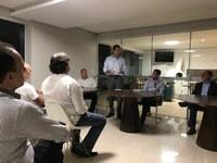 Andrey Azeredo debate melhorias para a região da Praça da T-19 com moradores e a Prefeitura