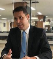 Andrey Azeredo propõe que escolas municipais liberem computadores para a população fazer matrículas nos CMEIs