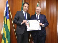 Câmara concede Título de Cidadão Goianiense a Henrique Meirelles