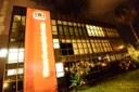 Câmara exibe fachada na cor laranja em apoio a movimento da ONU pelo fim da violência contra as mulheres