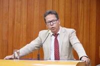 Comissão aprova uso de aplicativo por taxistas de Goiânia