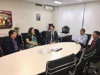 Mesa Diretora da Câmara se reúne com presidente do TCM