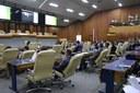 Plenário aprecia projetos e requerimentos