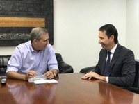 Presidente da Câmara entrega sugestões para o Codemetro ao vice-governador