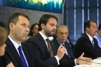 Presidente da Câmara participa de reunião sobre retomada das obras do BRT