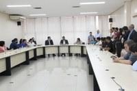 Presidente Romário Policarpo recebe aprovados em concurso público