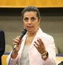 Projeto de Cristina Lopes beneficia trabalho voluntário