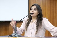 Sabrina acusa Prefeitura por descasco no cumprimento de contrato com o governo federal