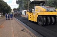 Setores Vale dos Sonhos II e João Paulo II recebem obras de asfaltamento