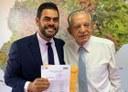Vereador Tiãozinho Porto e prefeito Iris Rezende levam Mutirão para Região Leste