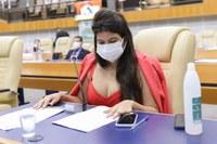Vereadora Aava Santiago apresenta o projeto Empregue uma Mãe