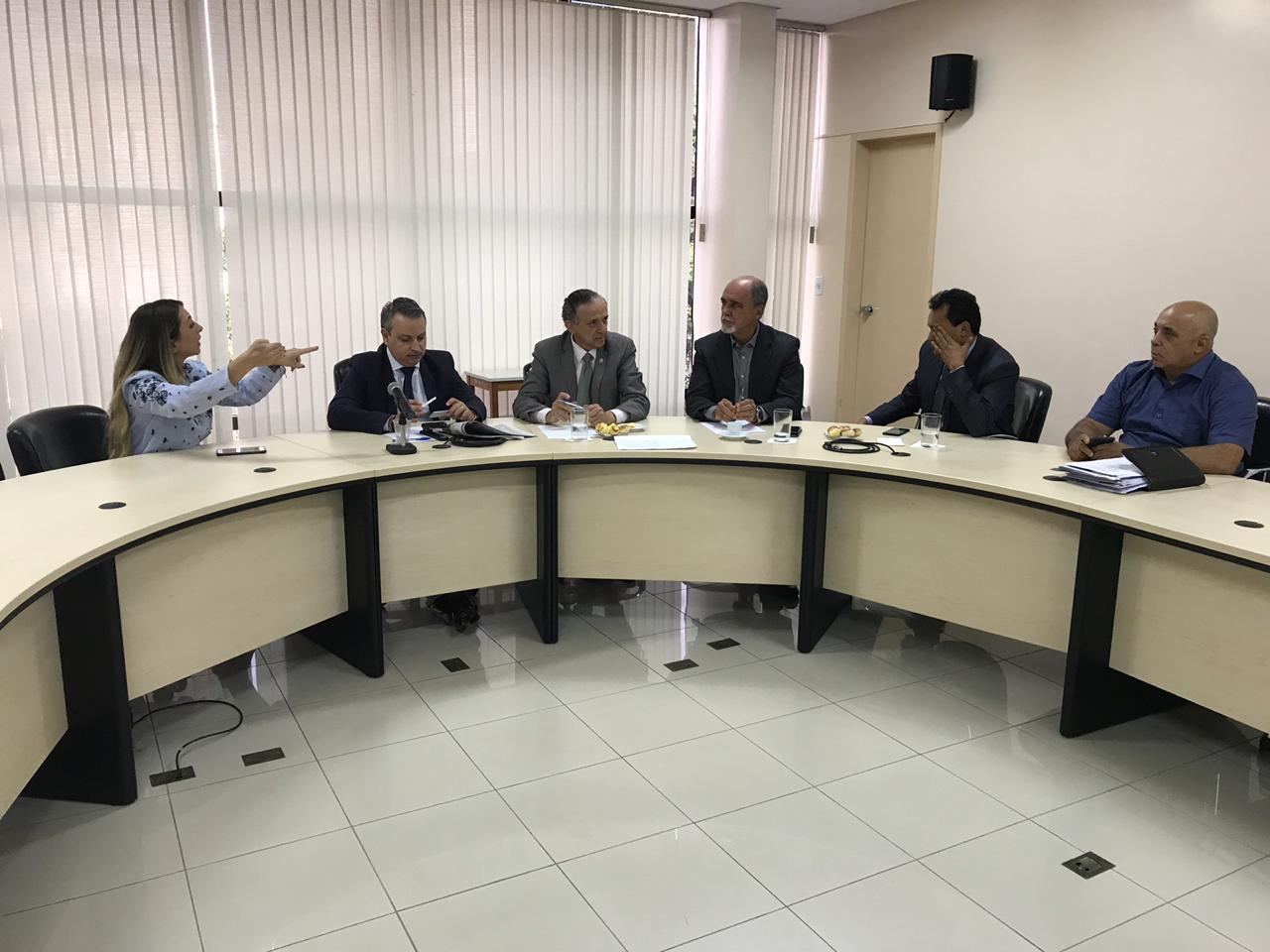 Vereadores cobram da SMT soluções para o trânsito de Goiânia